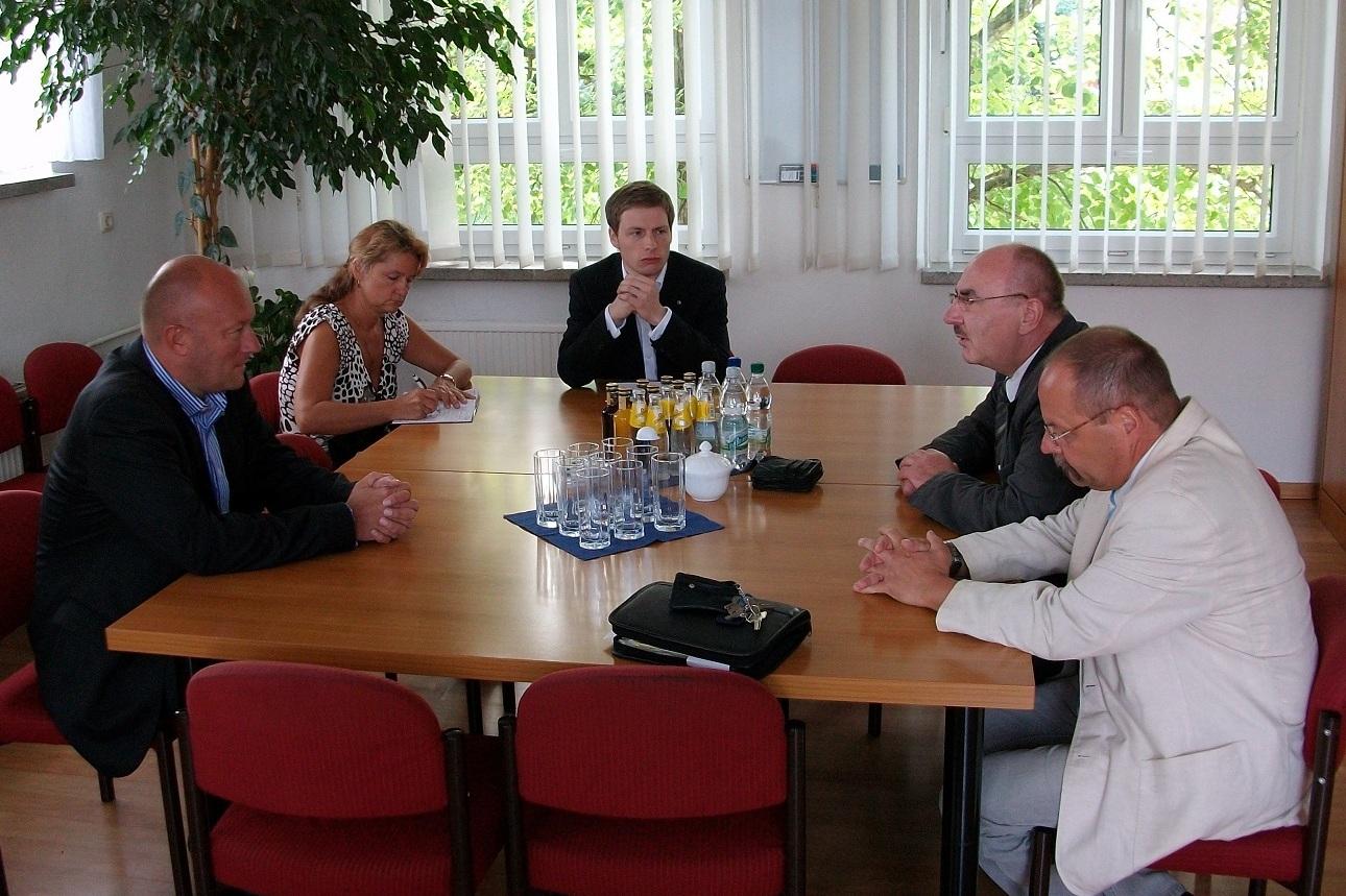 Thomas L. Kemmerich (l.) zu Besuch bei KOMOS GmbH