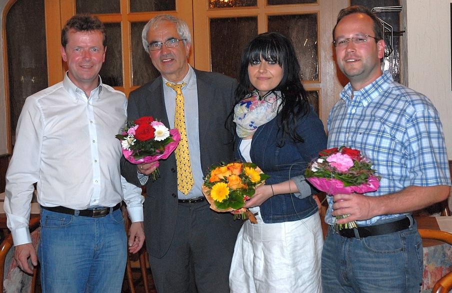 Glückwünsche von Uwe Barth (l.) an Peter Casper