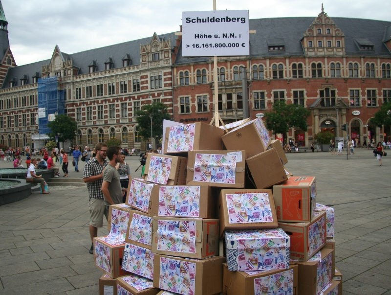 Der metehohe Schuldenberg vor dem Erfurter Anger