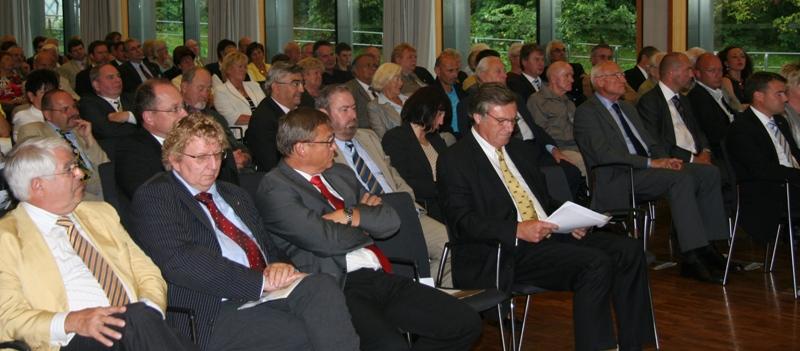 Blick in die gut besuchte Weimarhalle.