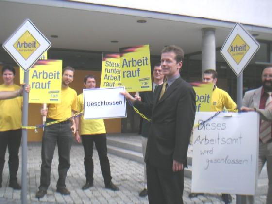 Uwe Barth vor dem Arbeitsamt in Jena