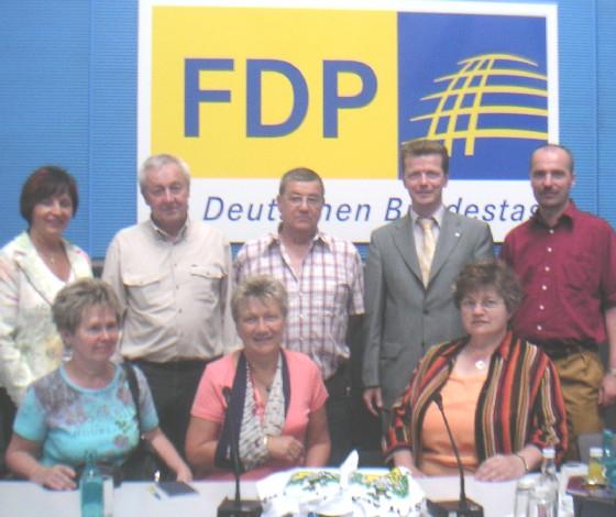 Barth mit Gästen aus SLF-RU im Fraktionssaal