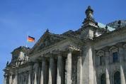 Entscheidung über Rettungsschirm im Bundestag