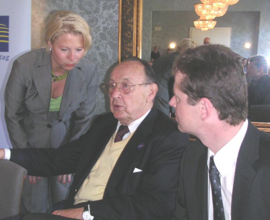 Generalsekr. Pieper, Ehrenvors. Genscher und Barth