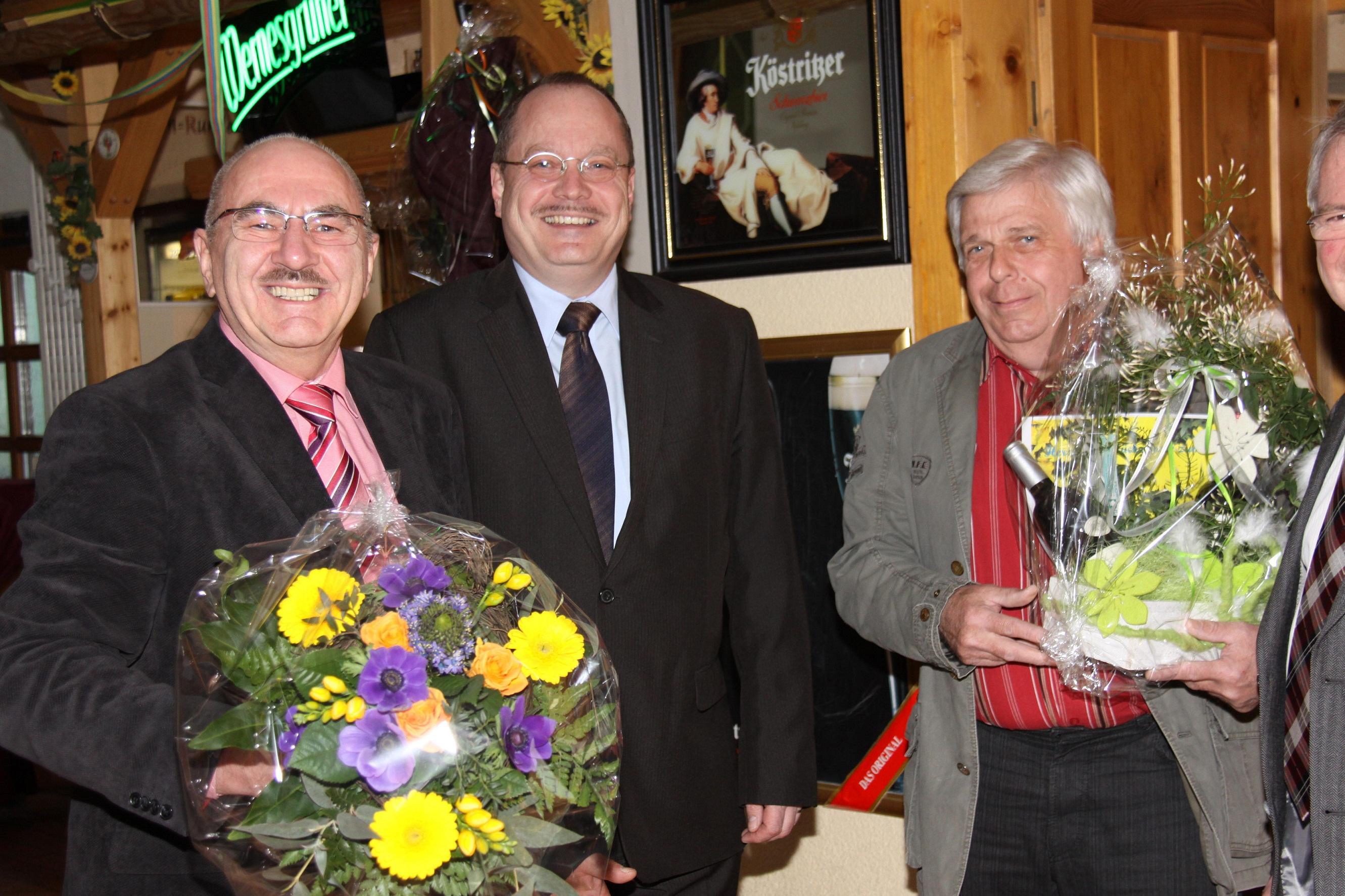 Dr. Möller mit Gratulanten zum 60. Geburtstag