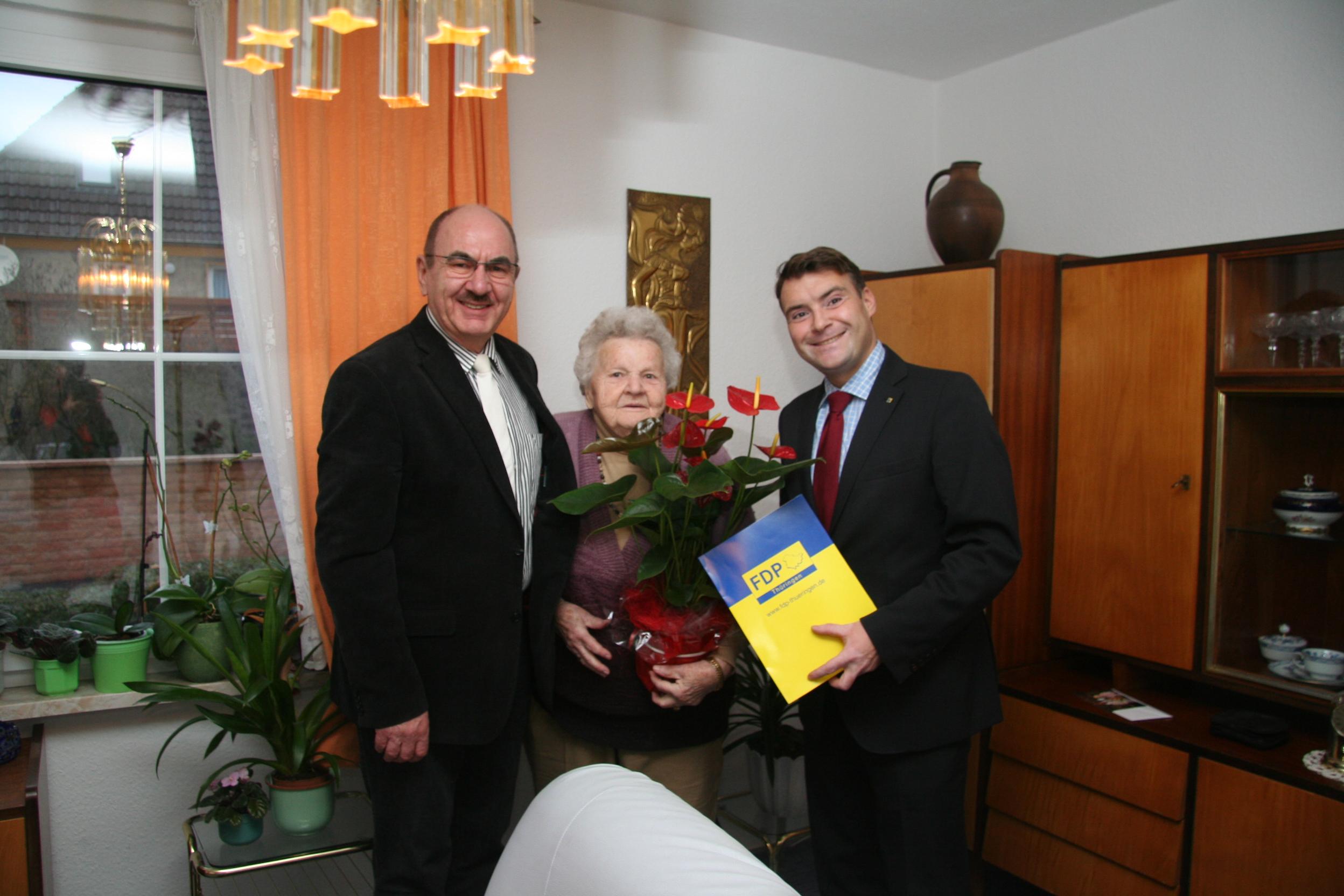 Irmgard Meese, Dr. D. Möller (li), P. Kurth