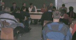 Voller Hörsaal beim Bildungsdisput in Jena
