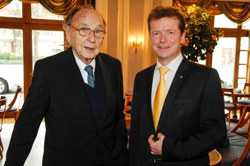 Hans-Dietrich Genscher mit Uwe Barth