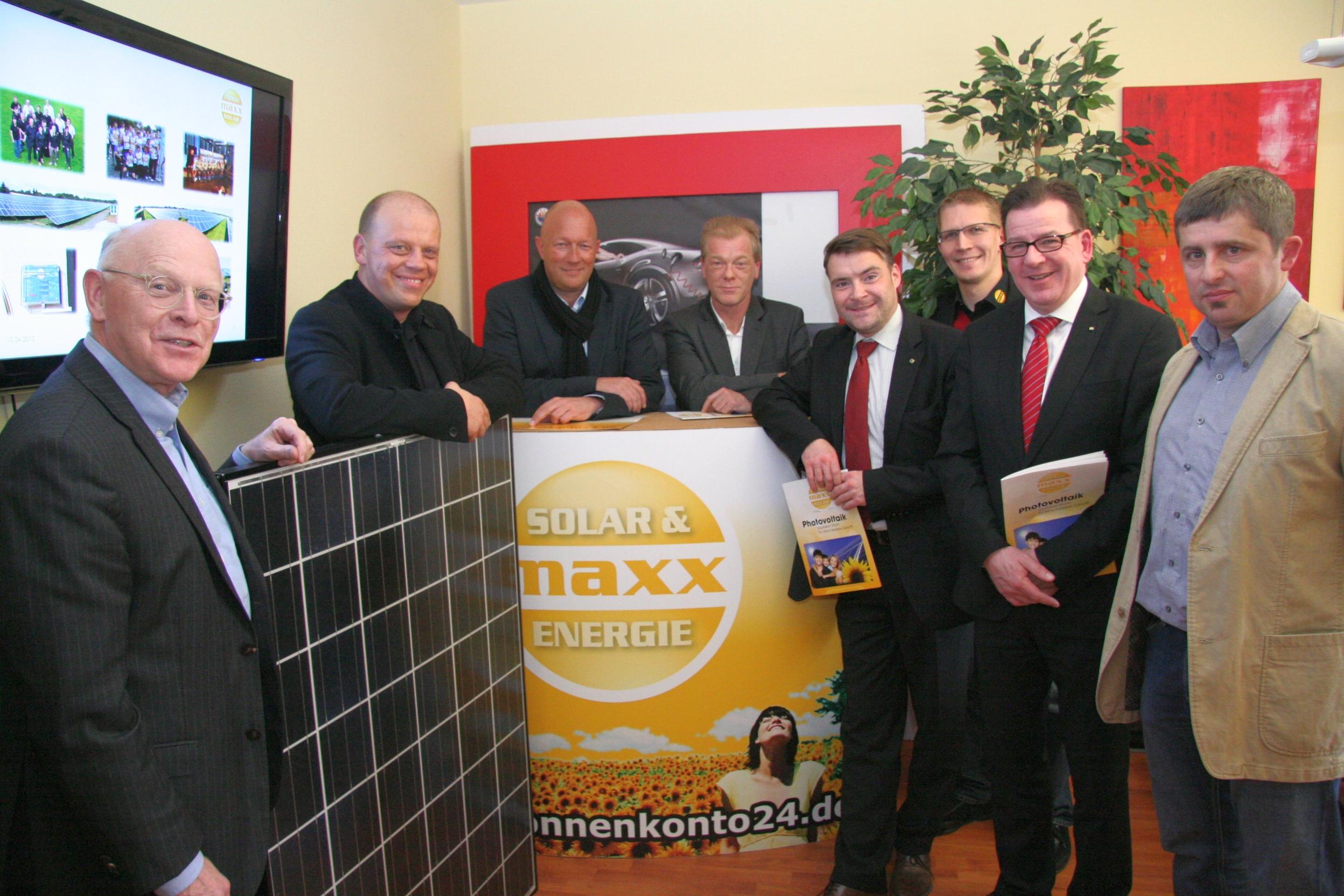 Liberale zu Besuch bei MaxxSolar in Waltershausen