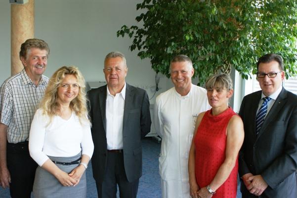FDP-Vertreter zu Gast in der Klinik