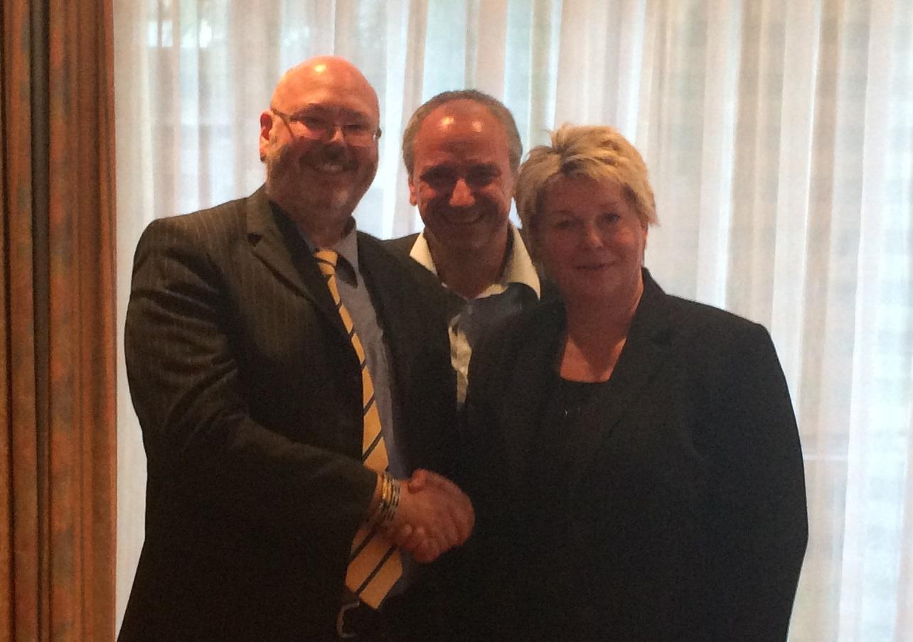 Franka Hitzing begrüßt André Gebser