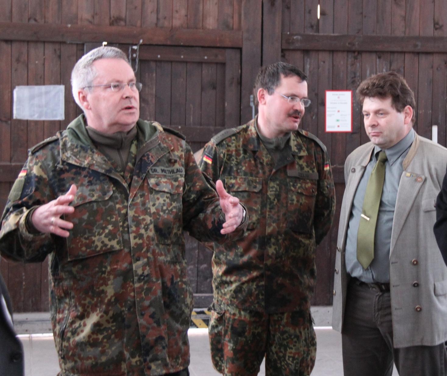 Carsten Labsch beim Besuch in Ohrdruf