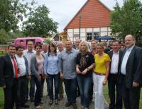 Die Mitglieder des OV Leina mit Gästen