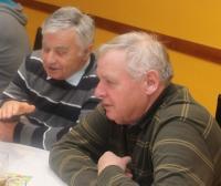Helmut Irrgang (l.i.B.) im Gespräch