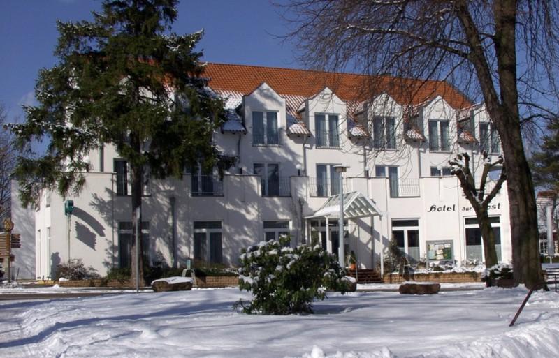 Winter am Hotel zur Post in Tabarz