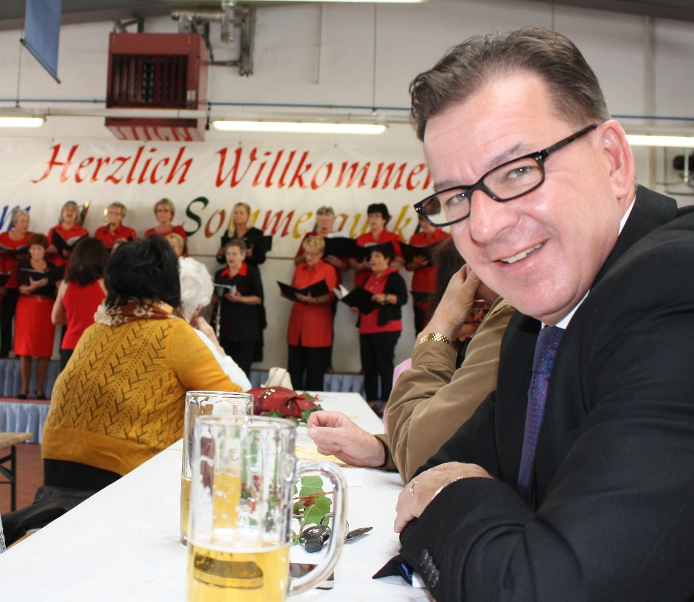Köhler-Hohlfeld zu Gast beim Sommerfest in Dachwig