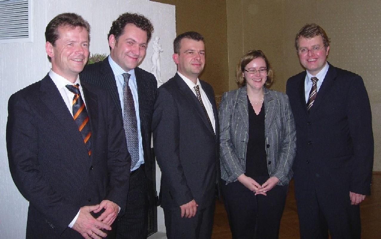 Die MdBs mit Gastgeber Uwe Barth