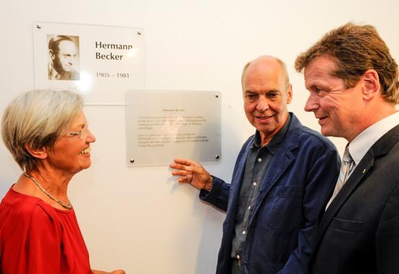 Ruth Strauss und Lutz Becker mit Uwe Barth