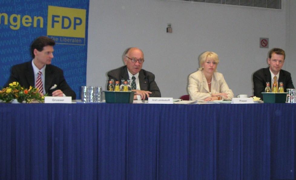 Das Podium beim Wirtschaftsgespräch