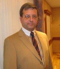 Dr. Franco Bauer