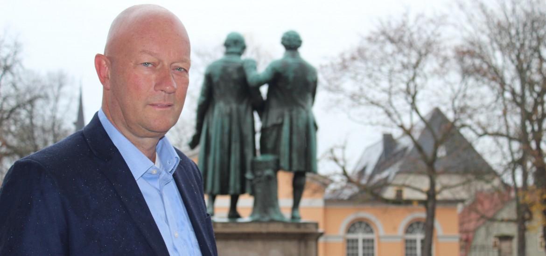 Ansiedlung von Behörden in Ostdeutschland: Thomas L. Kemmerich: Ramelows Forderung der Ansiedlung von Behörden in Ostdeutschland greift zu kurz