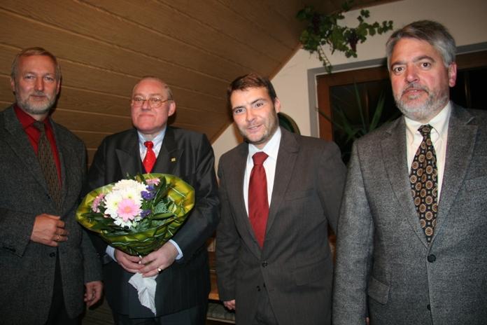 Henning (r.) mit Bollwahn (l.), Landgraf (2.v.l.)