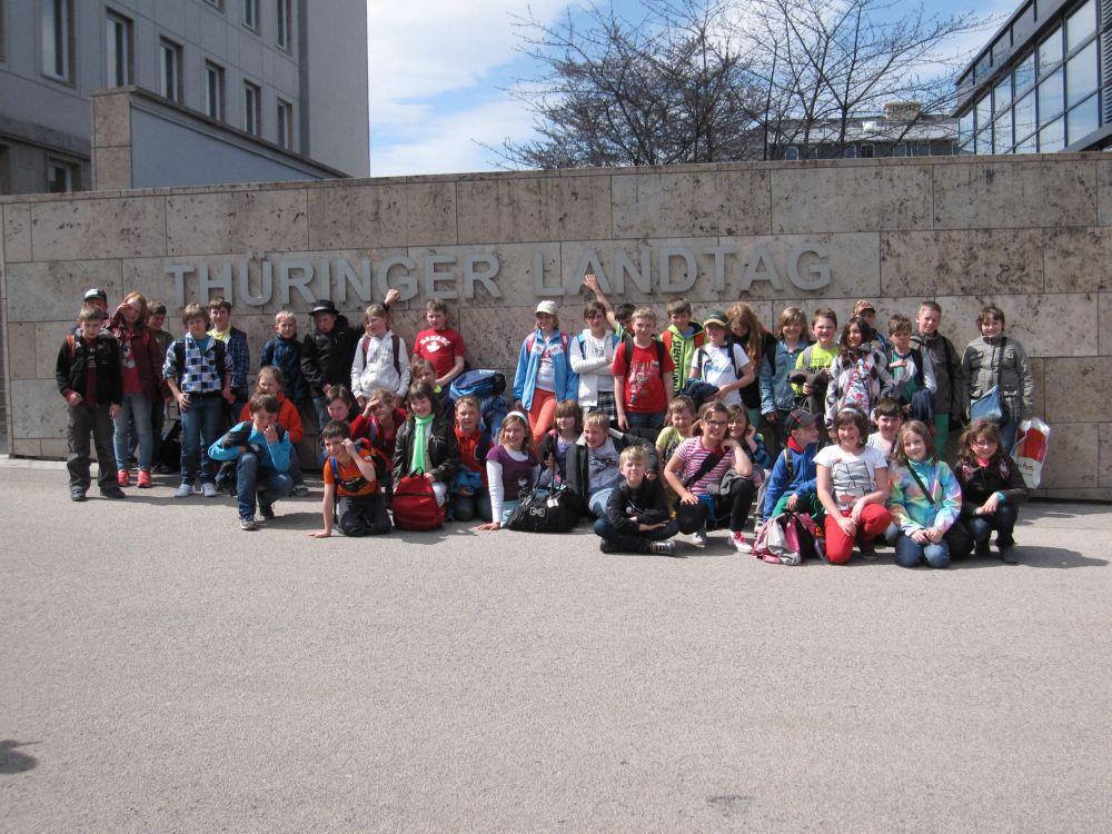 Schüler der GS Rauenstein erkunden den Landtag