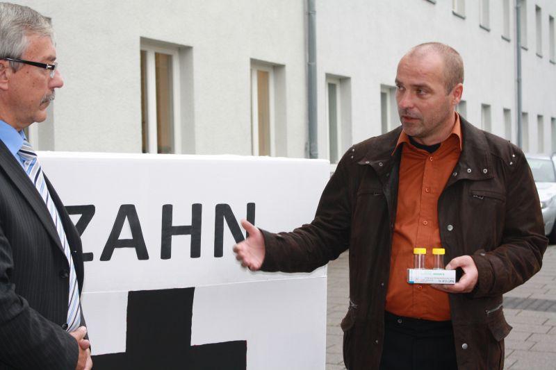 Marian Koppe, MdL übergibt 500 Zahnrettungsboxen für Thüringer Schulen