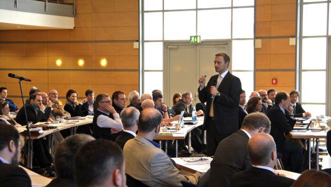 Lindner skiziiert den Weg bis zur Bundestagswahl
