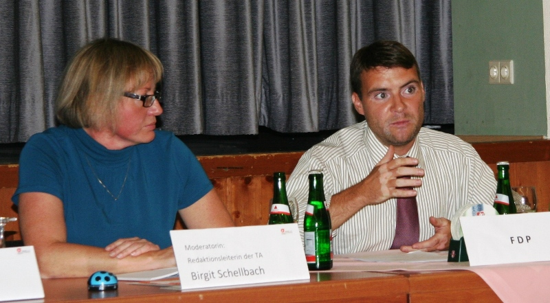 Moderatorin Birgit Schellbach und Patrick Kurth