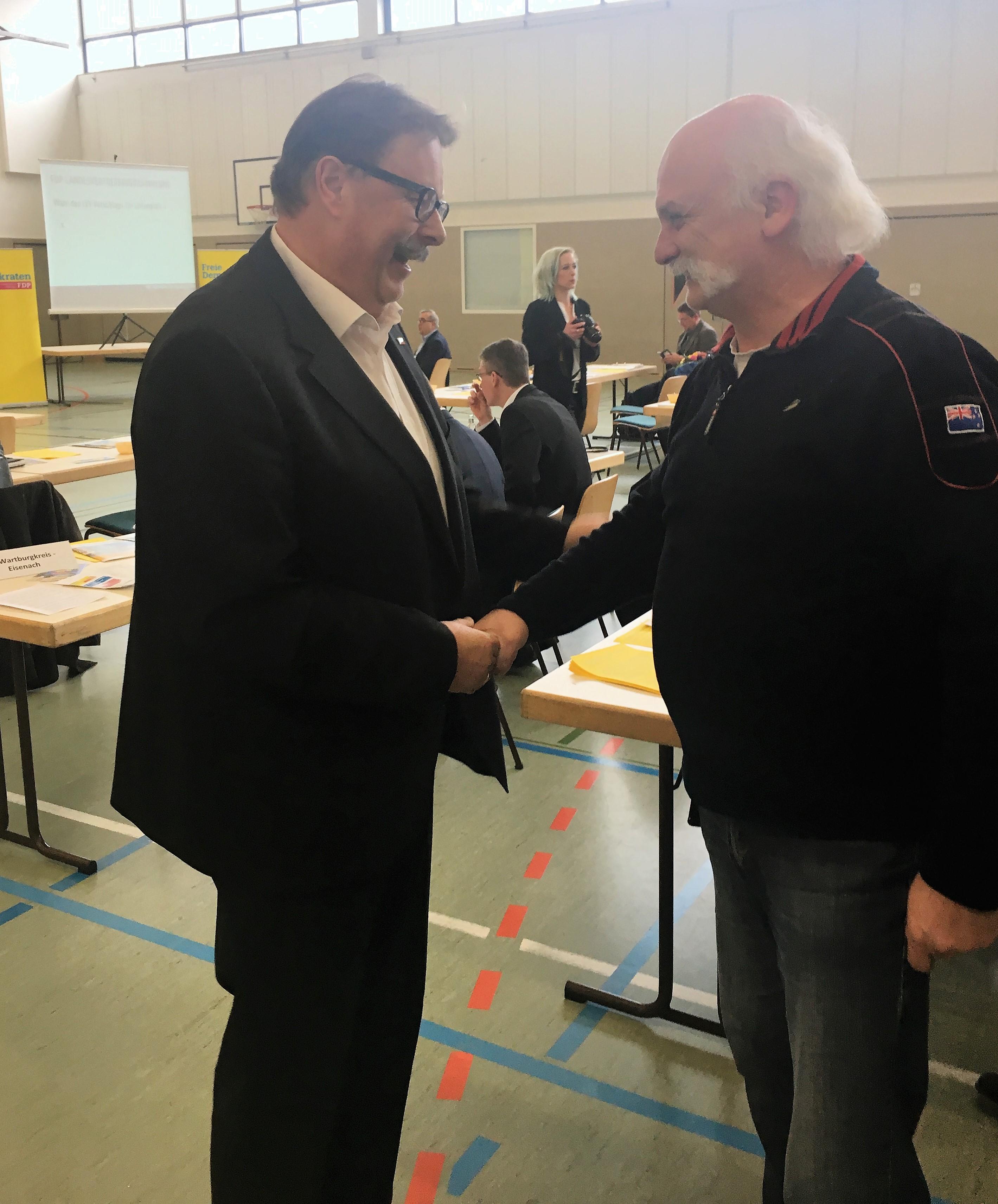 E.Linke gratuliert R. Hanke zum Wahlergebnis