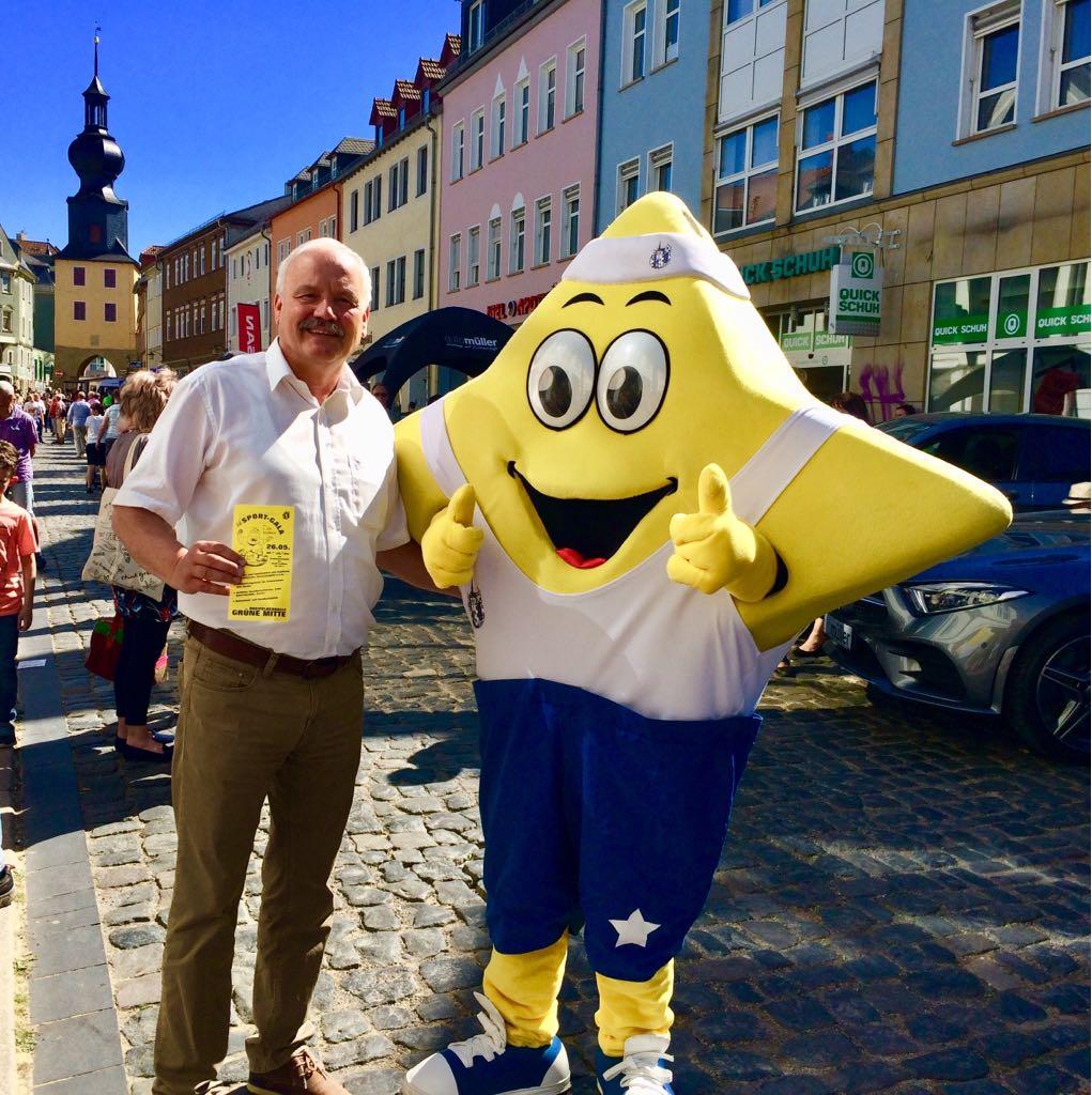 FDP Stadtrat Joachim Heinecke mit Sterni vom 1.SSV