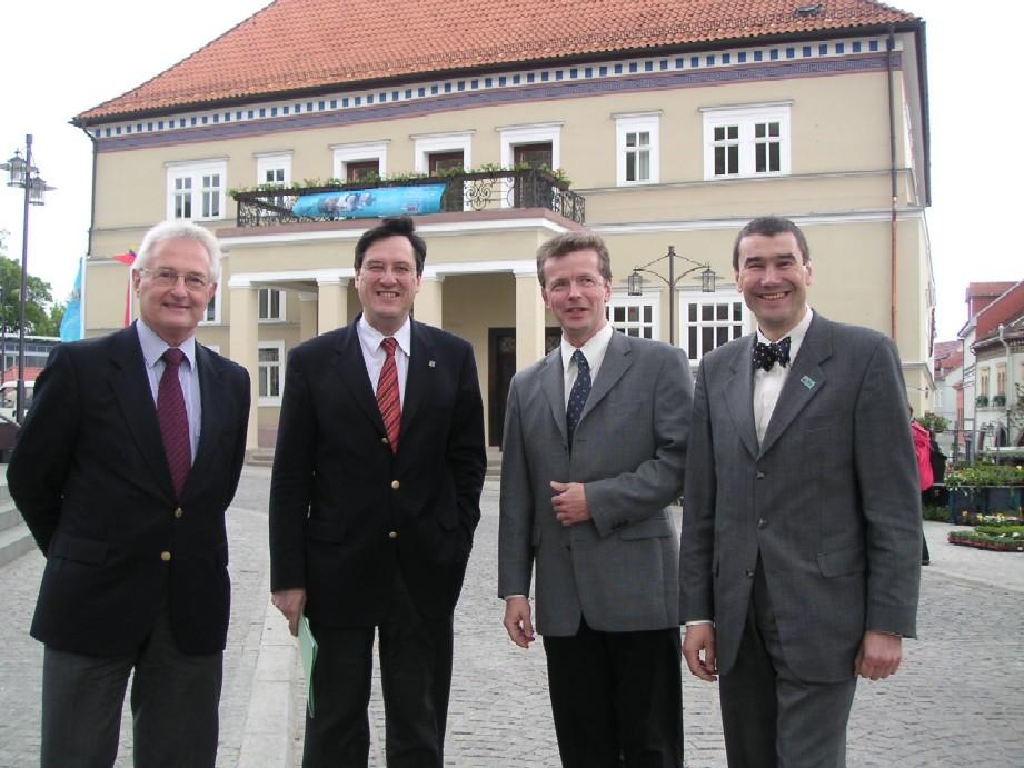 Vor dem Sondershäuser Rathaus: Liberale Spitzen