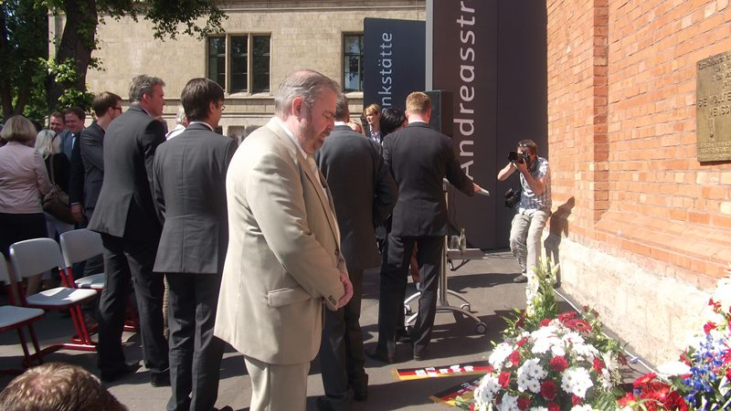 Heinz Untermann, MdL gedenkt der  Opfer