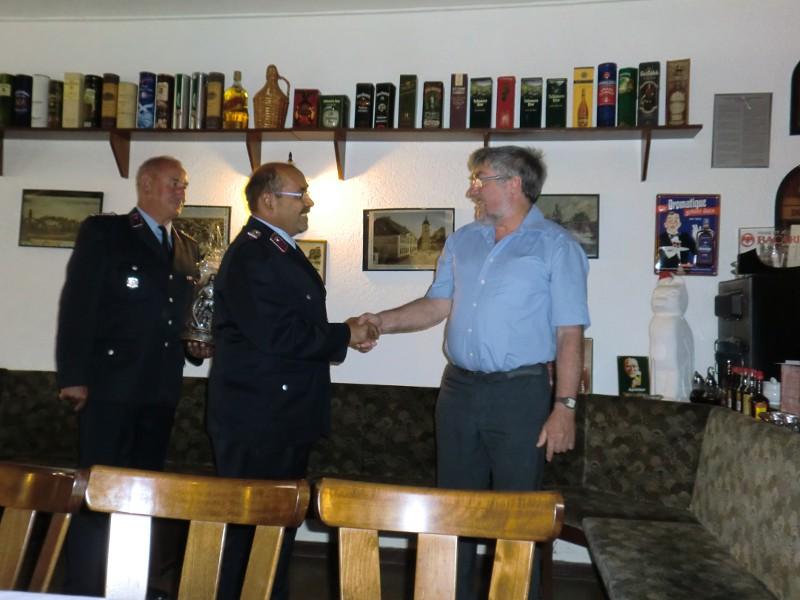 Freiwillige Feuerwehr bedankt sich bei Bürgermeister Hoffmann