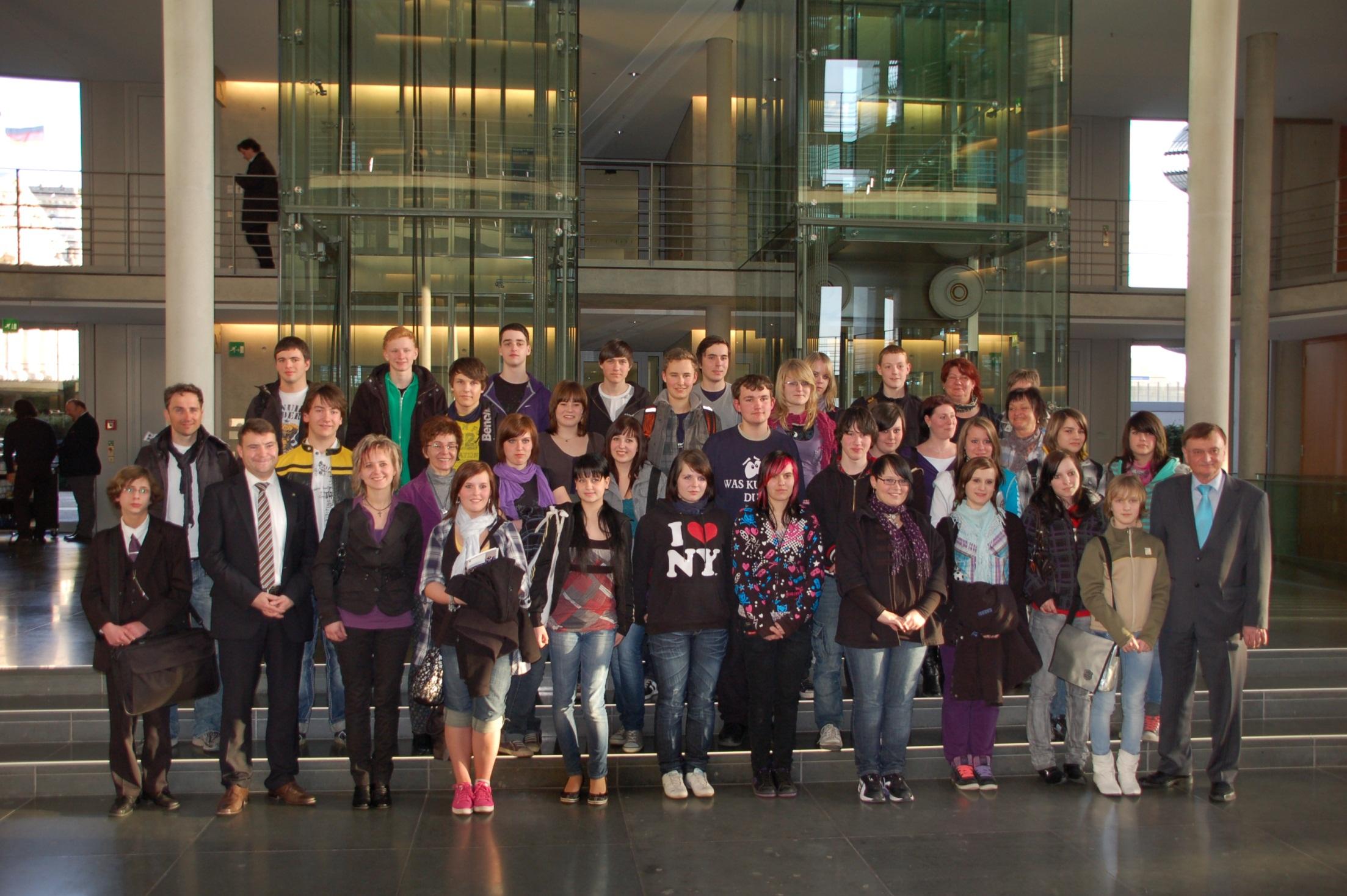 Schülergruppe Saale-Orla mit Patrick Kurth, MdB
