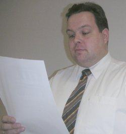 Schatzmeister Thies stellt die Finanzplanung vor