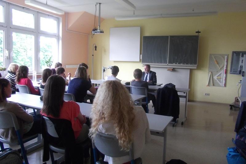 Besuch des Landtagsabgeordneter Heinz Untermann im Gebeseer Gymnasium