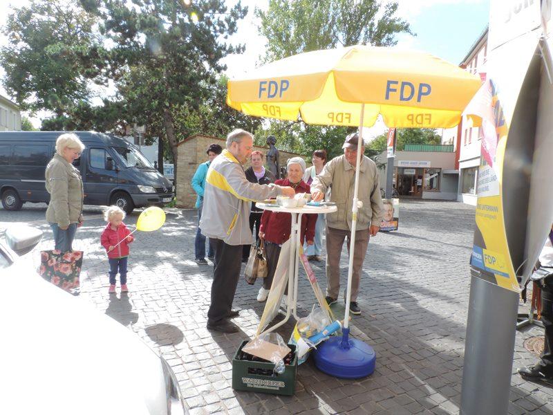 Wahlkampfstand am Marktplatz in Sömmerda