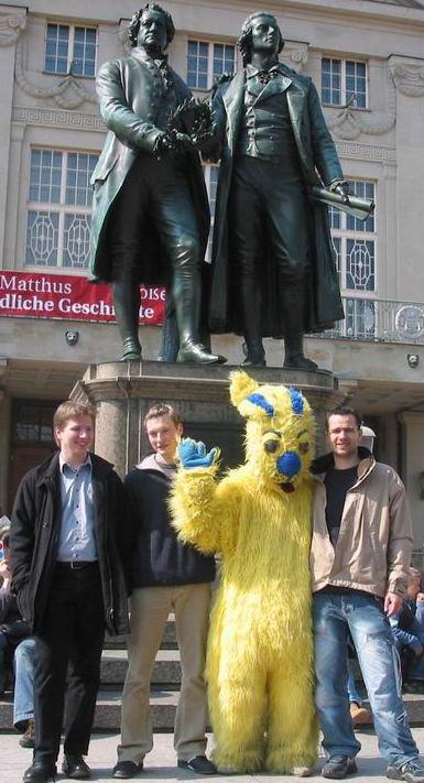 Frohe Ostern wünschen auch die Julis in Weimar