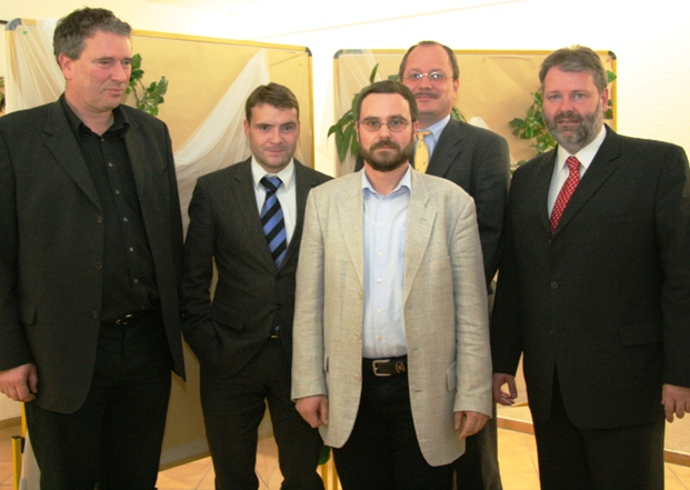 Direktkandidat Dr. Frackowiak (Bildmitte)